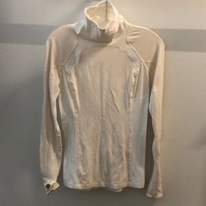 Lululemon cream LS turtle neck, sz 6, 64234